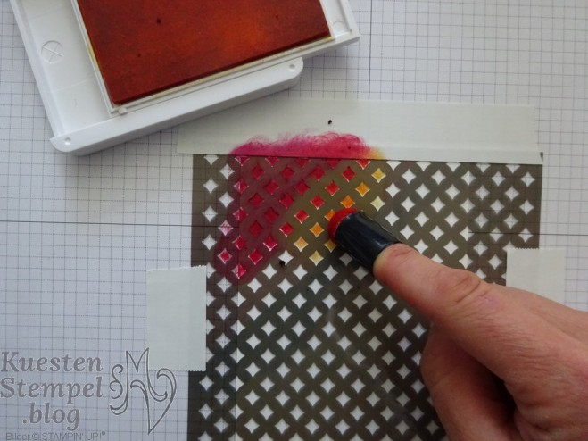 Fancy Fold Card, Schablonentechnik, Anleitung, Fingerschwämmchen, Liebe Gedanken, Stickmuster, Stampin' Up, Kuestenstempel.blog